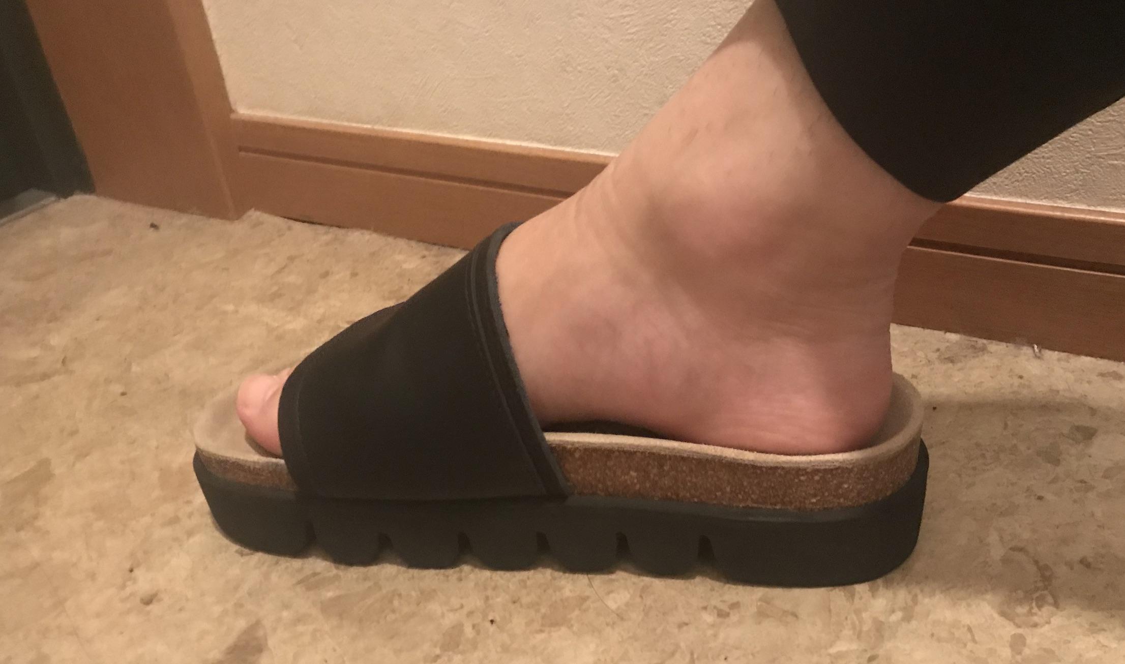 かまぼこサンダルサイズ裸足